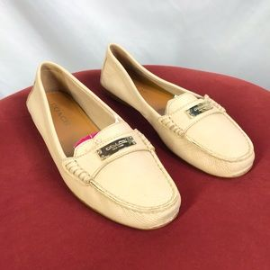 Coach size 9B off white leather loafers